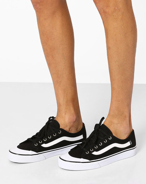 Lace-Up Black Ball SF Sneakers By Vans ( Black )