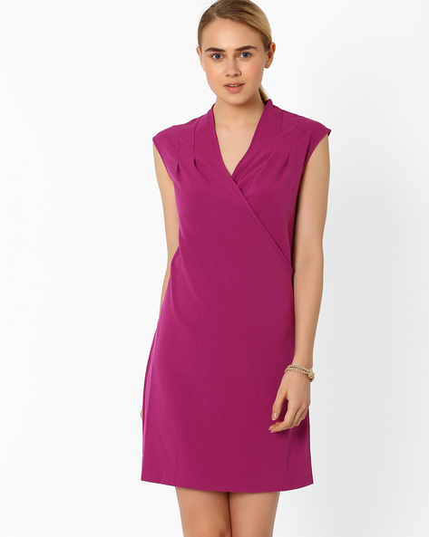Shift Dress With Surplice Neck By AJIO ( Fuchia )