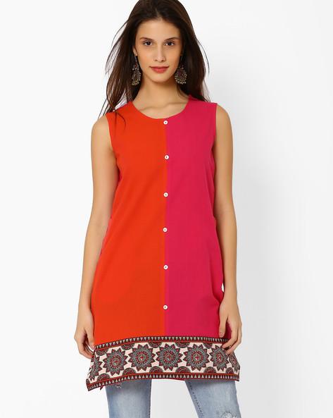 Handloom Colourblock Sleeveless Kurta By SIYAHI ( Magntafusha )