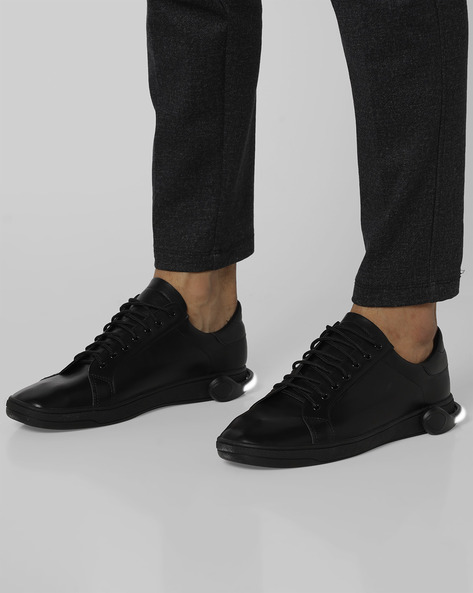 Lace-Up Sneakers With Detachable LED Bands By AJIO ( Black )