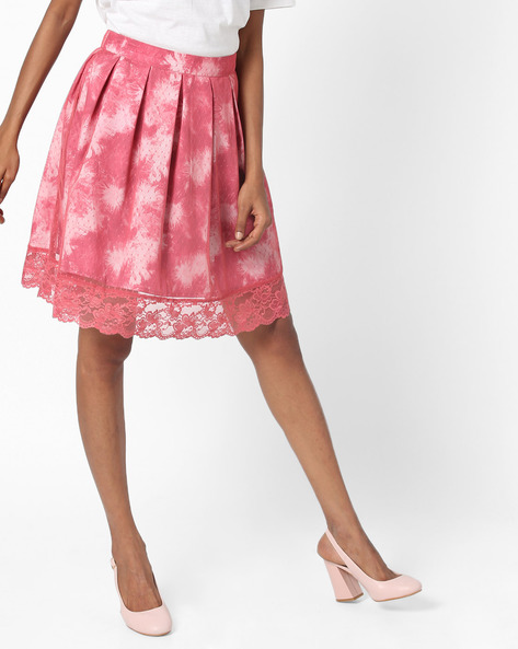 Pleated Skirt With Lace Hem By AJIO ( Pink )