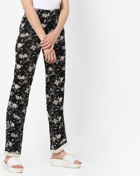 Floral Print Pyjamas With Lace Trim By Ginger By Lifestyle ( Black )