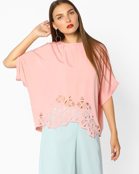 Cut-Out Kaftan Top With Bell Sleeves By AJIO ( Pink )