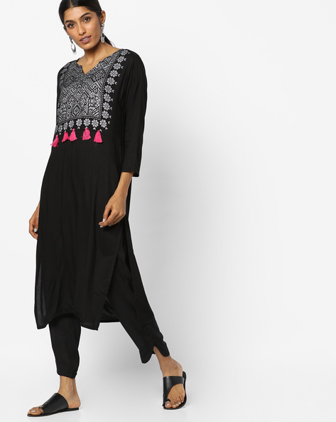 Printed Straight Kurta With Notched Neckline By Vishudh ( Black )