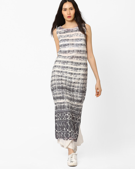 Printed Maxi Dress With Single Slit By AJIO ( Grey )