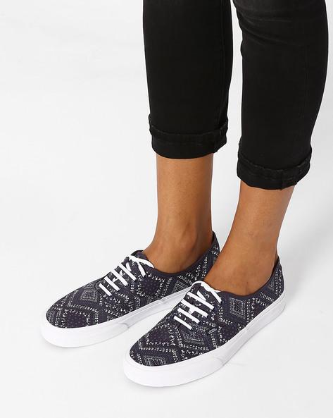 Ditsy Bandana Print Casual Shoes By Vans ( Grey )