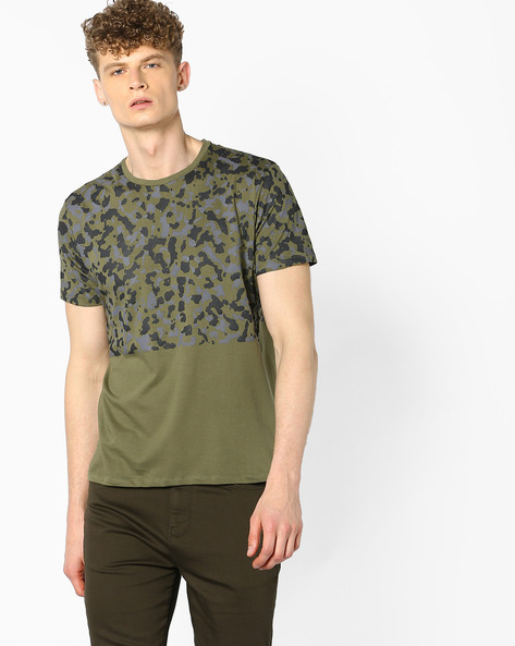 Colourblock Crew-Neck T-shirt By AJIO ( Green )