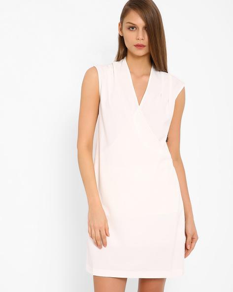 Sleeveless Shift Dress By AJIO ( White )