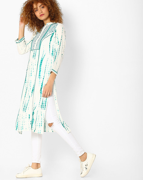 Printed Straight Kurta With Embroidered Detail By Jiyaa ( Green )