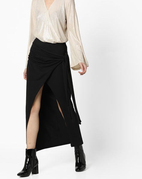 Wrap Skirt With Front Slit By AJIO ( Black )