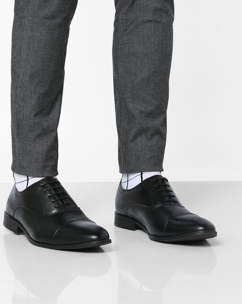 Oxford Shoes With Toe-Cap By Bond Street By Red Tape ( Black )