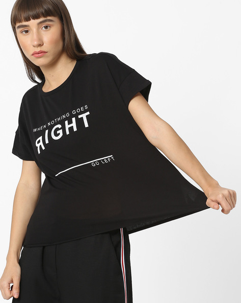 Typographic Print T-shirt With Drop-Shoulder Sleeves By Pink Woman ( Black )