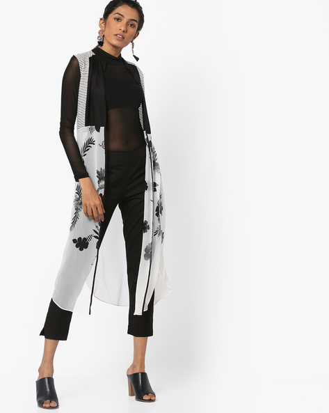 Printed Front-Open Shrug By W ( Black )
