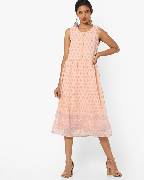 Printed Fit & Flare Sleeveless Midi Dress By AJIO ( Peach )