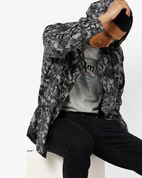 Camouflage Print Hooded Shirt By AJIO ( Grey )