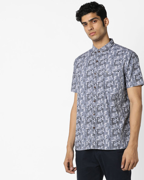 Printed Slim Fit Shirt With Curved Hemline By AJIO ( Navyblue )