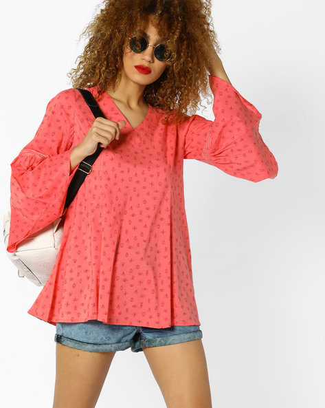 All-Over Print Top With Bell Sleeves By AJIO ( Pink )
