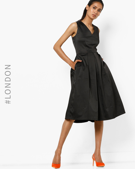 Sleeveless A-line Dress With Pleats By Closet London ( Black )