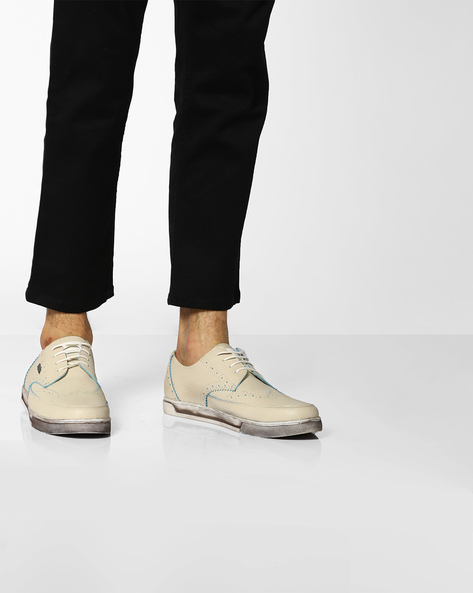 Textured Lace-Up Shoes By BCK By Buckaroo ( White )