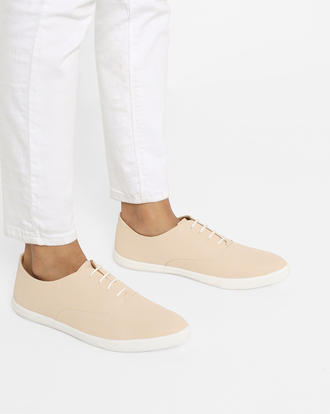 Low-Top Lace-Up Casual Shoes By AJIO ( Cream )