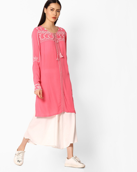 Embroidered Straight Kurta With Tie-Up By COLOUR ME ( Coral )