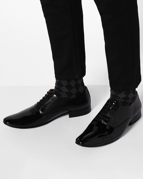 Textured Lace-Up Oxford Shoes By Modello Domani ( Black )