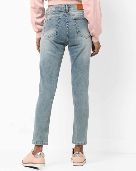 Mid-Rise 5-Pocket Jeans With Floral Embroidery By AJIO ( Lightblue )