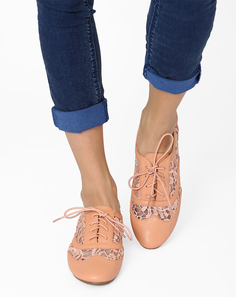 Lace-Up Brogues With Patterned Lace By AJIO ( Pink )