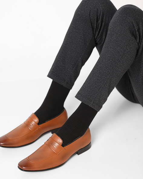 Slip-On Shoes With Stacked Heels By Modello Domani ( Tan )