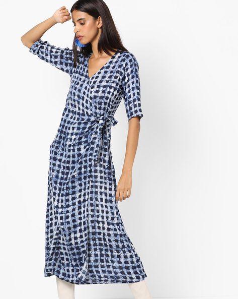 Printed Dress With Surplice Neckline By Aujjessa ( Blue )