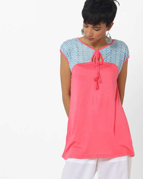 Top With Contrast Print Yoke By Indusdiva ( Coral )