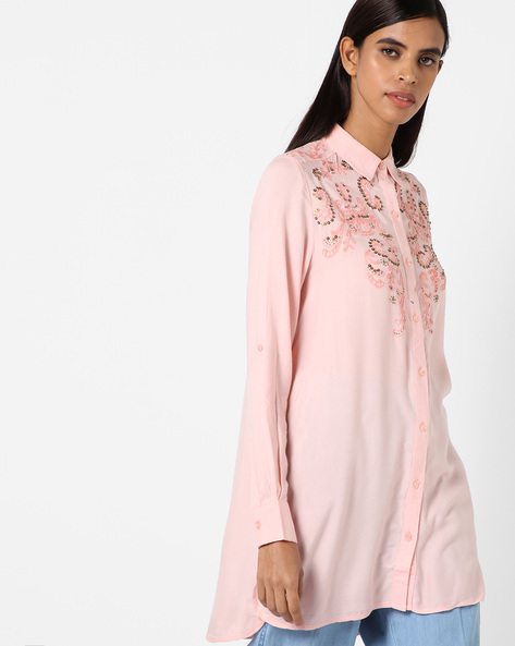 High-Low Shirt With Sequined Embroidery By Oxolloxo ( Peach )