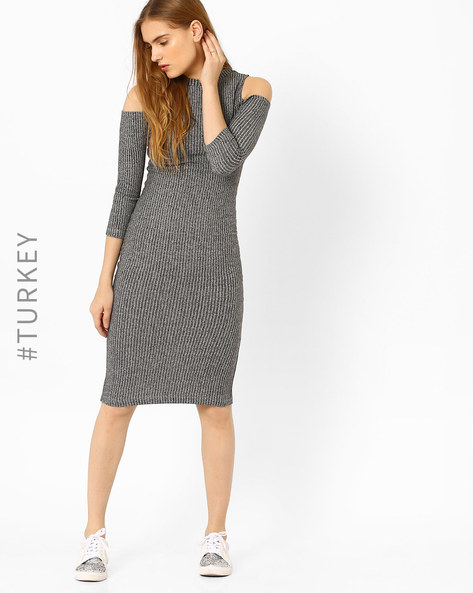 Bodycon Dress With Cold-Shoulders By TIFFANY & TOMATO ( Grey )