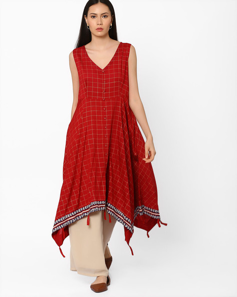 Checked Kurta With Handkerchief Hem By AJIO ( Maroon )