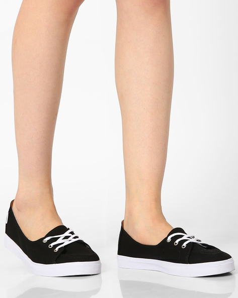 Solana Casual Canvas Lace-Up Shoes By Vans ( Black )
