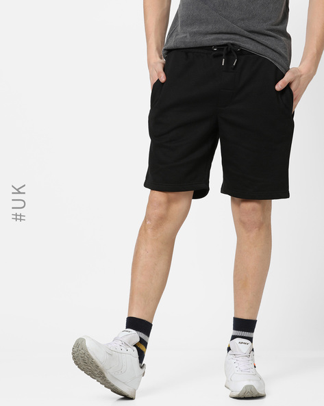 Mid-Rise Fleece Shorts With Drawstring Fastening By BRAVE SOUL ( Black )