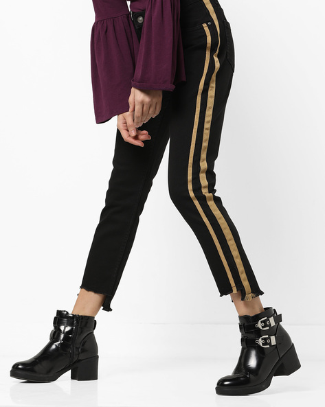 Mid-Rise Jeans With Step Hems By AJIO ( Black )