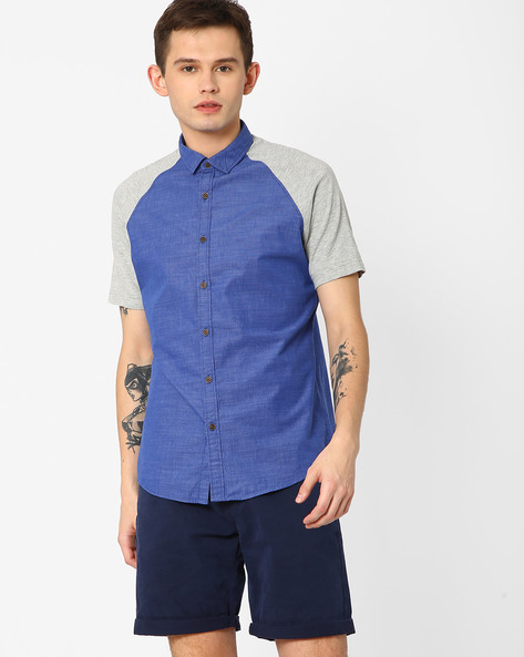 Slim Fit Shirt With Curved Hem By AJIO ( Navy )