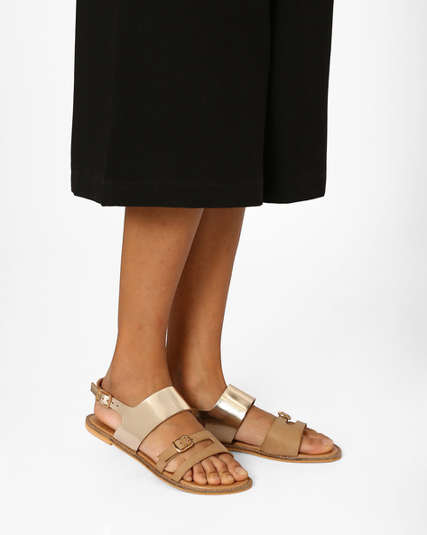 Strappy Flats With Buckle Closures By Curiozz ( Beige )