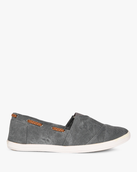 Slip-Ons With Elasticated Gusset By AJIO ( Grey )