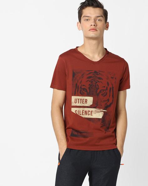 Tiger Print V-Neck T-shirt By AJIO ( Rust )