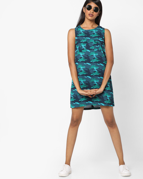 Camouflage Print Sleeveless Shift Dress By Tokyo Talkies ( Blue )