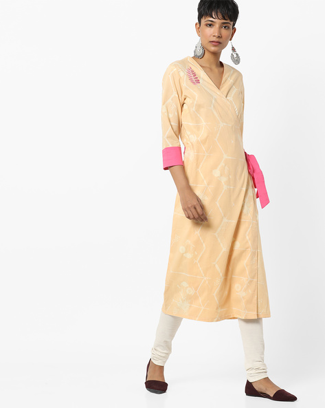 Floral Print Kurta With Overlapping Front By AJIO ( Lgtyellow )