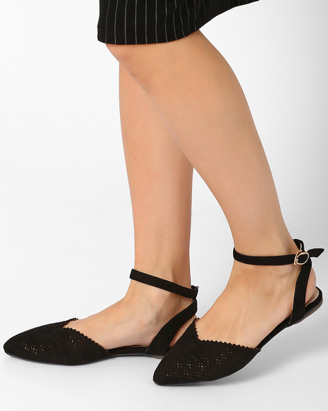 Pointy-Toe Ballerinas With Cut-outs By MFT Couture ( Black )
