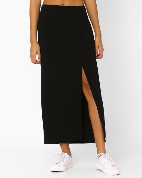 Maxi Skirt With Front Slit By AJIO ( Black )