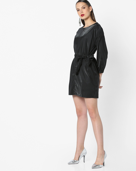 Shift Dress With Drop Shoulders By AJIO ( Black )