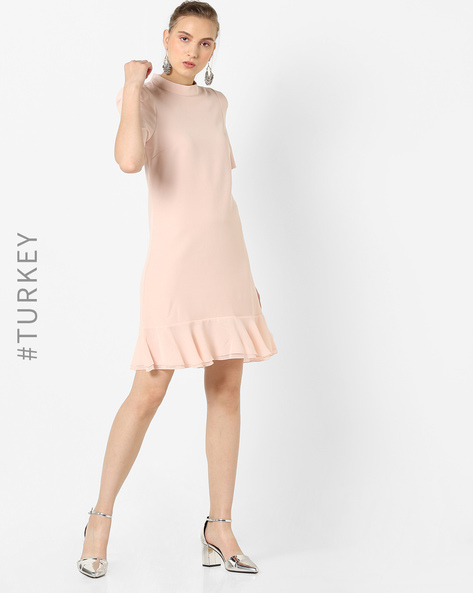 Shift Dress With Ruffled Hem By TRENDYOL ( Pink )