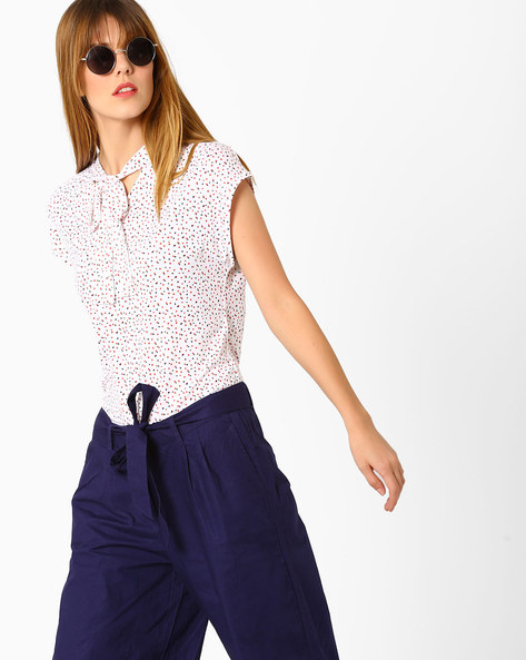 Ditsy Print Top With Tie-Up Detail By AJIO ( White )