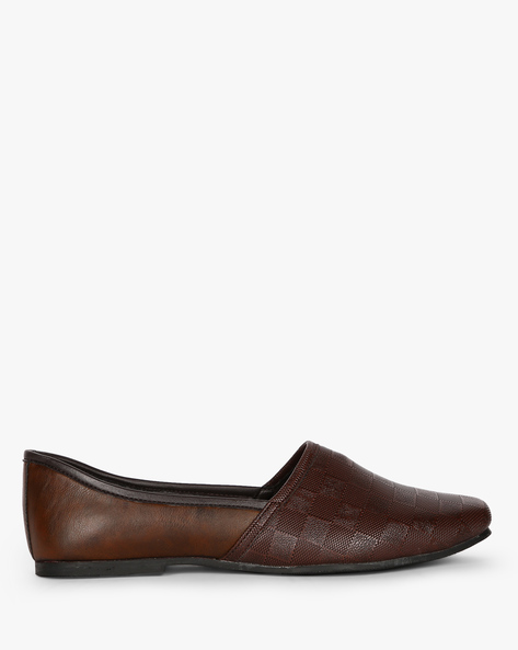 Textured Nagra Slip-On Casual Shoes By AJIO ( Brown )