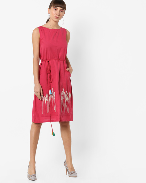 Sleeveless A-line Dress With Embroidery By AJIO ( Pink )